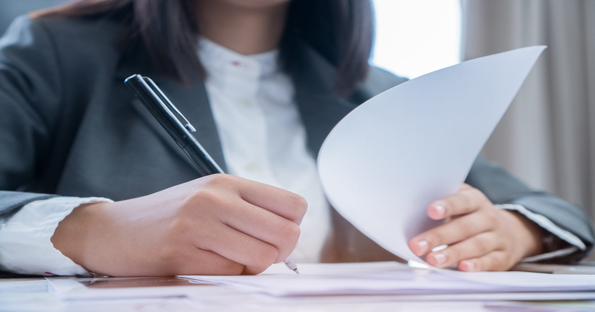 UNDERSTANDING PROFESSIONAL LIABILITY INSURANCE COVERAGE